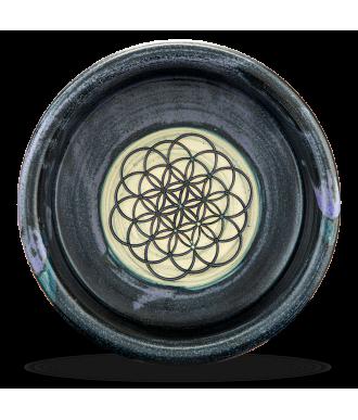 Handgemachter Napf aus Keramik und Lebensblume Motiv am Boden